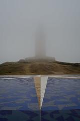 Torre de Hrcules (Jos Hidalgo) Tags: torre corua galicia niebla fog rosadelosvientos tower faro lighthouse nikonflickraward