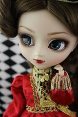 Classical Queen (pullip_junk) Tags: classical queen classicalqueen pullip fashiondoll asianfashiondoll aliceinwonderland