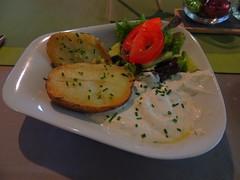 Kartoffeln mit Kruterquark (Sophia-Fatima) Tags: cafe restaurant vitasoltherme badsalzuflen nrw deutschland kartoffelnmitkruterquark potatoes