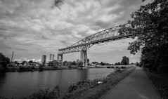 Ruins of the International Bridge : August 23, 2015 (jpeltzer) Tags: bridge blackandwhite ruins cornwall stlawrenceriver bridgetonowhere internationalbridge