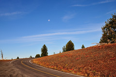 Rim Drive (J-Fish) Tags: road moon oregon nationalpark craterlakenationalpark rimdrive d300s 1685mmf3556gvr 1685mmvr