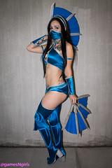 Kitana cosplay (The Doppelganger) Tags: sexy mask boots cosplay videogame cosplayer mortalkombat kitana nycc newyorkcomiccon nycc2015