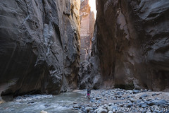 "The Narrows • <a style=""font-size:0.8em;"" href=""http://www.flickr.com/photos/63501323@N07/22315801230/"" target=""_blank"">View on Flickr</a>"