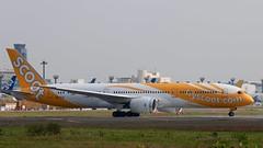 scoot | Boeing787-9 DreamLiner | 9V-OJD | Tokyo Narita Airport (akg414p010) Tags: canon tokyo boeing scoot narita tz sco nrt 成田空港 dreamliner rjaa 7879 スクート eos70d 9vojd