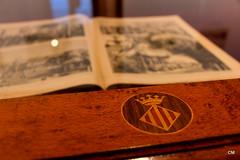Tebeo antic. (.carleS) Tags: canon eos valncia escut llibre 60d quatribarrada caeduiker