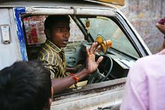 (shojaru) Tags: street 35mm canon candid driver dhaka moment gesture bangladesh quarrel
