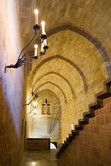 Interno del palazzo del gran maestro - Rodi - Rodos (claudio g) Tags: rodi rodos palazzo mura mare sea summer estate spugne sponge yoga