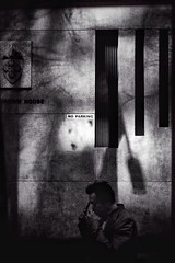 unflappable (Albion Harrison-Naish) Tags: sydney newsouthwales australia streetphotography sydneystreetphotography albionharrisonnaish iphoneography mobilephotography iphone iphonese hipstamatic akiralens blackeyssupergrainfilm jollyrainbow2xflash