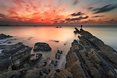 Fisherman sunset (Ludovic Lagadec) Tags: erquy seascape cap capderquy fisher fisherman pecheur peche poselongue paysage plage rocks rochers sea oceanscape bretagne breizh brittany beach bretagnenord nisi nd64 gnd8 gndreverse marin mare mer manche sky sunset canon6d cotesdarmor coucherdesoleil