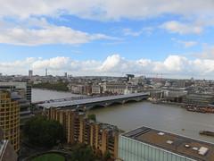 UK - London - Bankside - Tate Modern - Switch House - View over London from roof terrace (JulesFoto) Tags: uk england london bankside tatemodern switchhouse londonskyline blackfriarsbridge