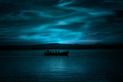 BLUE MOON (oroyplata.) Tags: albufera valencia lake lago blue azul moon luna barca boat hour bluehour oroyplata surreral atmosphere atmosfera landscape anochecer nigth shadows light people navegar beautifulplace embarcadero pier concept fine fineart film magazine town place storm