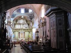 Main aisle, Templo del Oratorio de San Felipe Neri, San Miguel de Allende, Mexico (Paul McClure DC) Tags: sanmigueldeallende mexico bajo guanajuato nov2016 church historic
