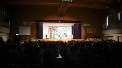 Elementary School Play. (MIKI Yoshihito. (#mikiyoshihito)) Tags: elementaryschoolplay elementary schoolplay 小学校 学習発表会 学芸会 2年生 アレクサンダとぜんまいねずみ