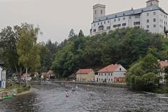 Nearing the Finish Line with Roemberk Castle on the Hill (smilla4) Tags: paddling boats race finishline rozemberkcastle vltavariver moldau rozemberknadvltavou czechrepublic houses