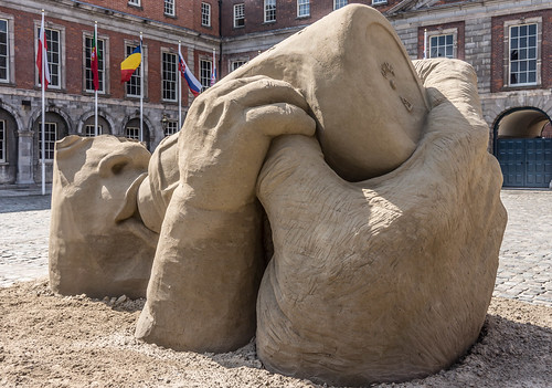 SAND SCULPTURES AT DUBLIN CASTLE [EMOTIONAL STATES] REF-107049