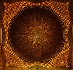 Caleidoscope (Hugo Cesar Gusmao) Tags: espaa sevilla spain espanha europa europe pattern islam seville geometria sevilha padro realalczar cpula caleidoscope geometra caleidoscpio islamicculture muslimart artemuulmana artemusulmana