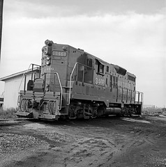 [Southern Pacific, Diesel Electric Road Switcher No. 3466] (SMU Central University Libraries) Tags: trains sp railroads espee switchers diesellocomotives railroadyards