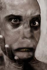 Simpson (Cyrsiam) Tags: zombie ghost fantôme cadavre revenant