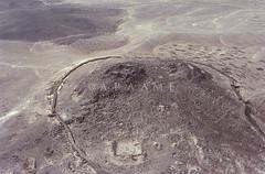 Qasr Aseikhim (APAAME) Tags: aseikhim fort geotaggedbasedonsite jadis3315001 megaj12399 qasraseikhim qasrelaseikhin roman scannedfromnegative useikhim pleiades:depicts=697735 قصرأصيخم aerialarchaeology aerialphotography middleeast airphoto archaeology ancienthistory