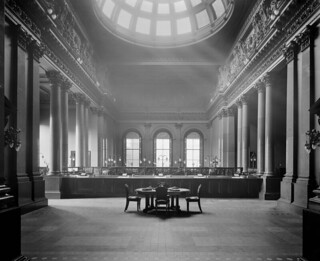 The telling hall in the British Linen Company Bank on St Andrews Square in Edinburgh, Scotland c1896