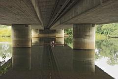 Under the bridge (frodul) Tags: sport deutschland wasser hannover ni brücke fluss spiegelung leine ruderer