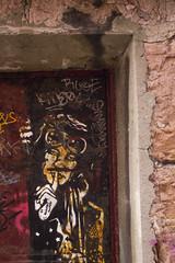 Nuestro secreto (Moraiya) Tags: streetart stencil gijn xixn
