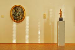 Bilder einer Ausstellung (dcs 0104) Tags: folkwangmuseum essen folkwangmuseumessen kunst bild menschen kunstbetrachter betrachter gestaltung komposition goldenerschnitt nikon d800 nikkor 85 mm 18 g nikkor85mm struktur strukturen lichtspiel reflexion reflexionen reflection reflektion reflektionen