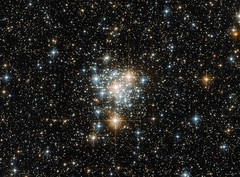 Hubble Takes Flight with the Toucan and the Cluster (Grypons) Tags: image day by nasa nasaimageoftheday hubble takes flight with toucan cluster ngc299