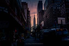 Empire State Building (J. Pelz) Tags: newyork empirestatebuilding usa streetphoto ny