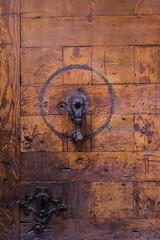Puerta (Carlos Pea Fernandez) Tags: puerta door wood madera castellana segovia espaa spain fuji fujifilm xt1 fujinon 1855mm manilla manecilla cerradura