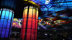 P1040132 (Nog-Z) Tags: 台湾 高雄 カオシュン 地下鉄 駅 taiwan kaohsiung subwaystation 美麗島駅 ステンドグラス formosaboulevardstation stainedglass