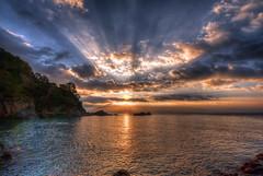 ... y al final el sol despert ... (franma65) Tags: calallevad costabrava mar mediterraneo amanecer sol girona