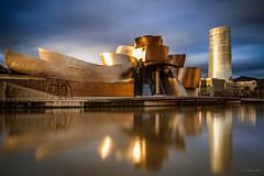 Guggenheim (angelesort (ngels ortega)) Tags: bilbao guggenheim museo arte atardecer filtros longexposure canon6d luz oro aire libre puesta de sol agua arquitectura anochecer silueta ciudad