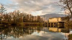 Petit barrage de rgulation sur le Rhne (chapuis_sophie) Tags: nuageux novembre rhnealpes isre fleuve soleil coursdeau dauphin 2016 rhne hiver nuages sun watercourse winter
