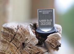 Old vs New (Steve Lindenman) Tags: new wood old 30 drive flash usb flashdrive cpmg0815sa