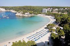 Galdana (Eduardo Valero Suardiaz) Tags: trees sea sky beach water hotel mar agua arboles playa cielo menorca cala galdana