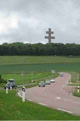 mot-2008-joinville-de-gaulle-memorial-4x6_400x600
