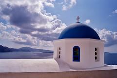 Santorini - Oia - vue sur la caldera 15 (luco*) Tags: church santorini greece caldera glise santorin grce oia cyclades kyklades hellada flickraward flickraward5