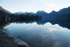 Ombres et reflets (Gisou68Fr) Tags: lake france mountains alps water alpes eau lac reflexions reflets lacdannecy hautesavoie canoneos650d efs18135mmf3556isstm
