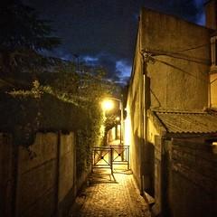 Phare urbain (Zwitt Erion) Tags: night urban streetphotography streetphotographie streetphoto street lumire light