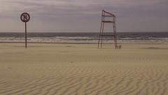 No Swimming (ur.bes) Tags: canon eos 600d 600 belgique belgium plage beach sable sand swimming natation mer sea lifeguard ciel sky