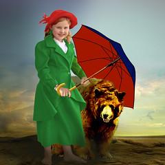 Dividing the umbrella (jaci XIII) Tags: menina criana pessoa animal urso guardachuva girl child person bear umbrella