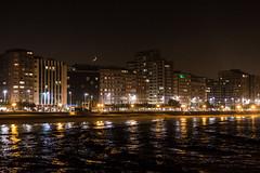 Gijn (David A.L.) Tags: asturias gijn noche nocturna luna luces mar playa sanlorenzo edificio