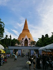 Architecture Travel Destinations Place Of Worship Religion Building Exterior Sky Built Structure Travel Tourism Buddhist Temple Buddha Statue Thailand (markusg2010) Tags: architecture traveldestinations placeofworship religion buildingexterior sky builtstructure travel tourism buddhisttemple buddhastatue thailand