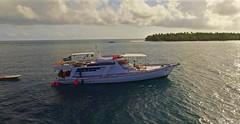 _boat (yepabroad) Tags: maldives malé surf bodyboard atoll baa raa swiss oomidoo drone