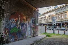 Piccadilly (Spannarama) Tags: trainstation arch railwayarch mural graffiti streetart taxis manchester uk manchesterpiccadilly piccadilly