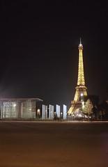 Et revoir Paris ! (Nicolas) Tags: paris monument toureiffel tower eiffel champdemars night nuit zeiss ikon nettar 5152 nicolasthomas symbol symbole lights lumires