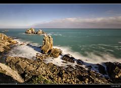 Mar adentro XXXIX (Pogdorica) Tags: cantabria islote maradentro liencres urro filtrond costaquebrada urrosliencres