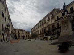 Palermo, Piazza Bologni (_Pek_) Tags: sicily palermo cassaro carlov albergheria