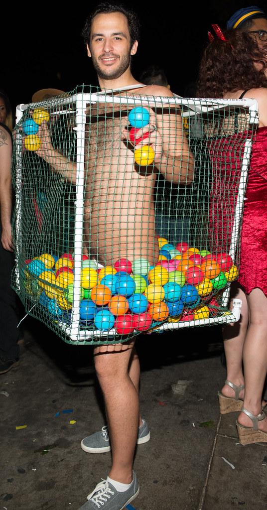 Costumes halloween Naked guy
